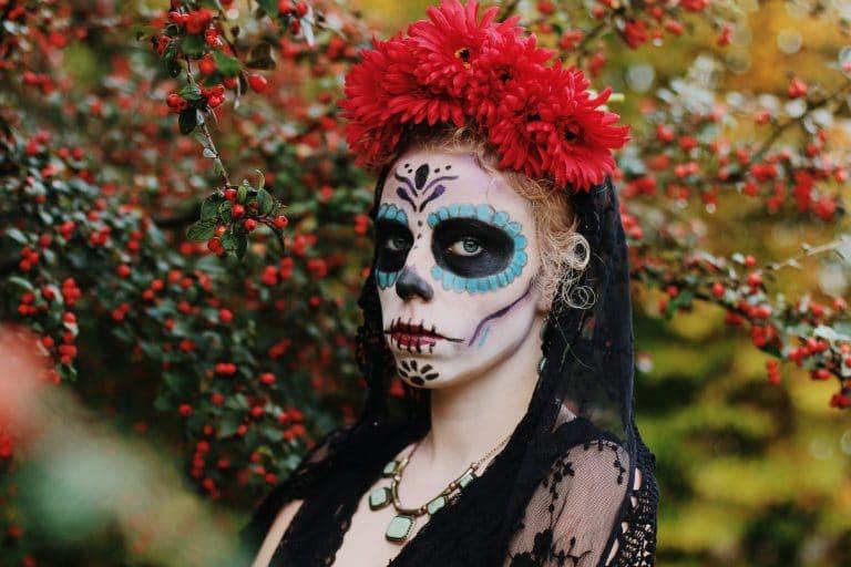 Un costume inspiré du Día de los Muertos au Mexique